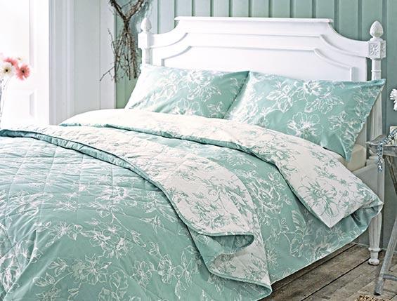 Cosy bedroom textiles