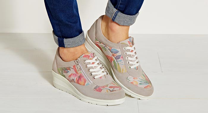 Smart Casual - Grey & Pink Trainers