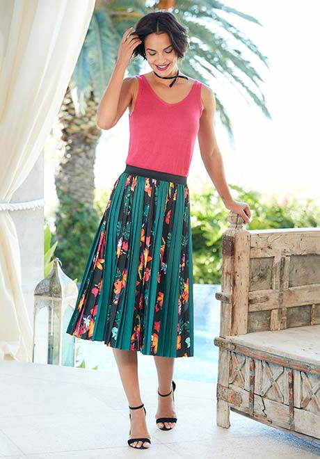 Printed Panel Pleat Skirt